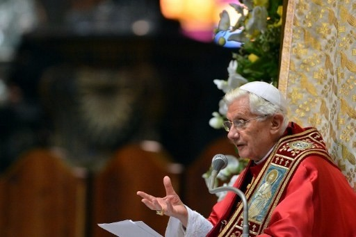 """Religion : Le pape à Milan pour encourager les """"familles traditionnelles"""""""