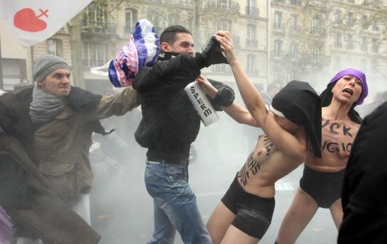 Femen : « On s'attendait à une réaction, mais pas aussi violente »
