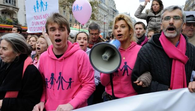 Christine Boutin vs Frigide Barjot : la guerre invisible des opposants au mariage gay