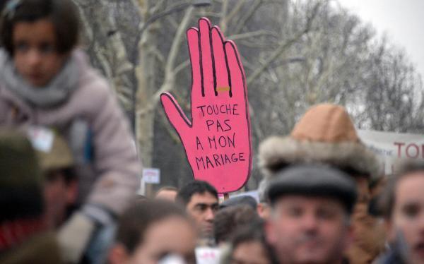 Mariage gay : le débat est faussé par des arguments juridiques erronés