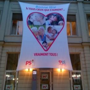 Socialistes Le PS déploie une banderole pour tous ceux qui s'aiment, vraiment tous