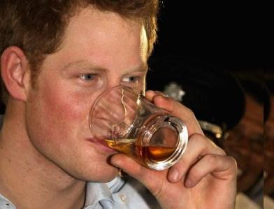 Le prince Harry emballe la machine à fantasmes gay