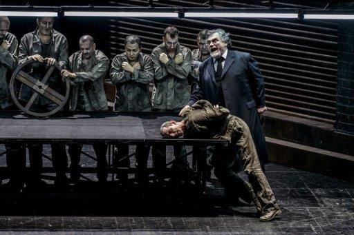 Taubira à Lyon pour le premier opéra de Badinter, huée par les anti mariage gay