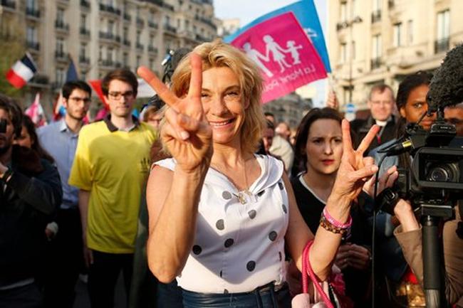 """Frigide Barjot: """"Des candidats Manif pour tous aux municipales"""""""