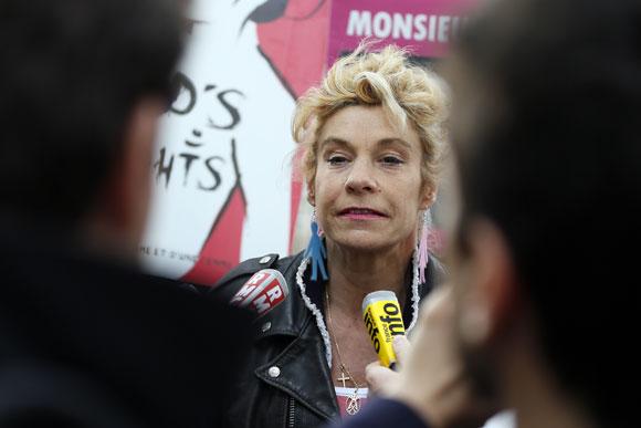 Homophobie : Frigide Barjot promet un don à l'association homo Le Refuge, qui refuse