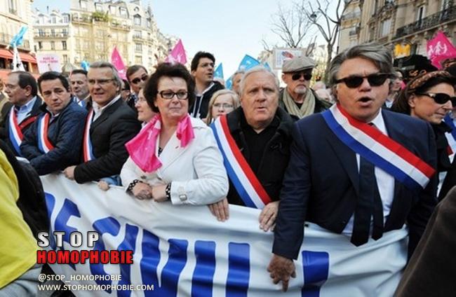 """Municipales: de militants à candidats, la """"Manif pour tous"""" bienvenue à l'UMP et au FN"""