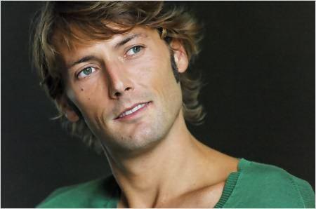 """L'acteur, Laurent Kérusoré alias """"Thomas"""" dans la série Plus Belle la Vie souhaite adopter un enfant."""