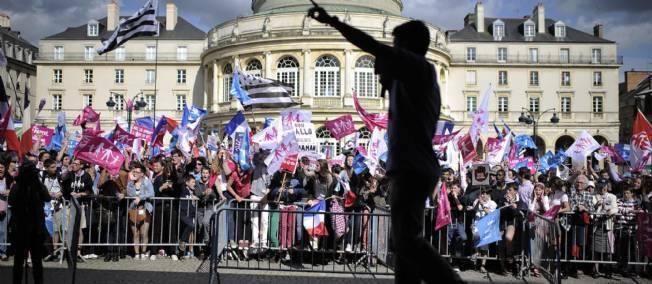 """Le Parti socialiste estime que la manifestation de dimanche """"se prépare dans des conditions particulièrement inquiétantes"""". Et montre du doigt l'UMP."""