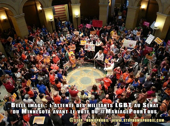 Belle image : l'attente des militants LGBT au Sénat du Minnesota avant le vote du #MariagePourTous