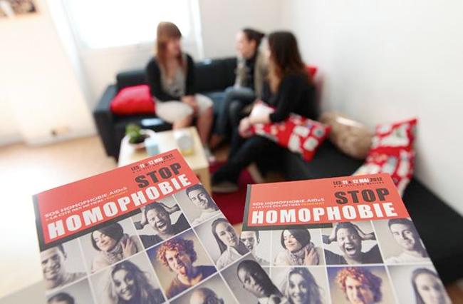 HOMOPHOBIE - Le Refuge, débordé par les SOS