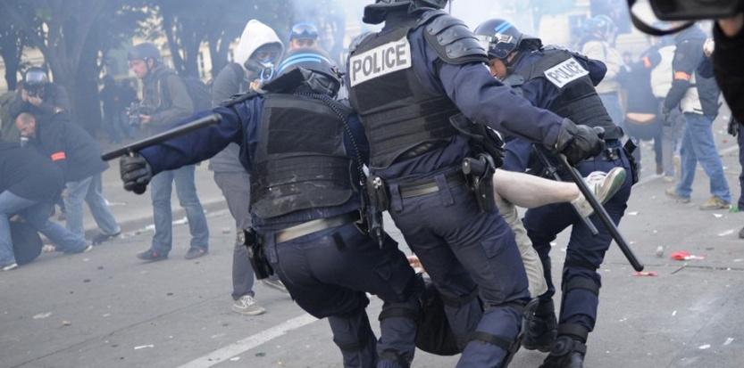 """La Manif pour tous lutte contre la """"répression"""" policière (XD)"""