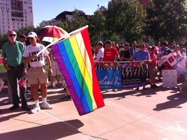 """Obama """"applaudit"""" la décision de la Cour suprême sur le mariage gay"""