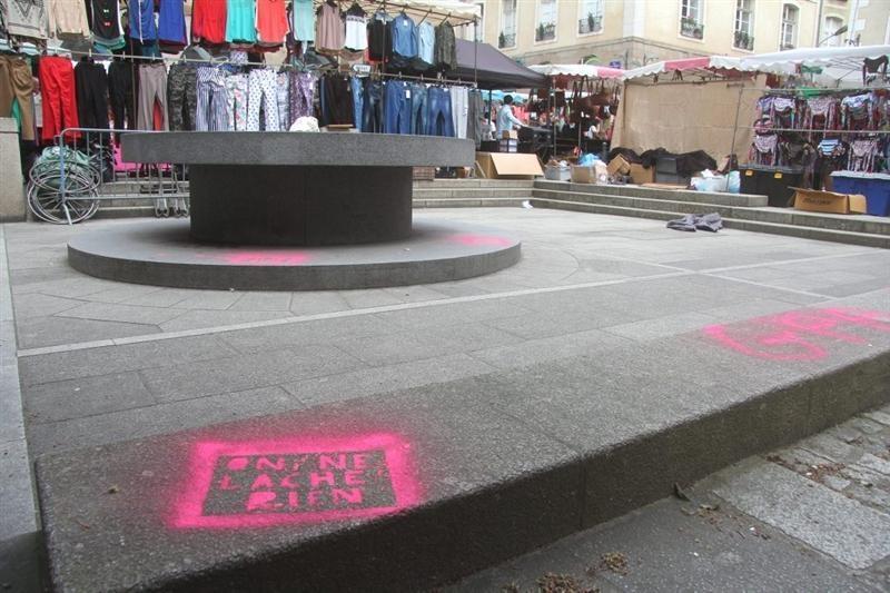 Rennes. 500 tags anti-mariage pour tous dans les rues : trois jeunes Rennais arrêtés