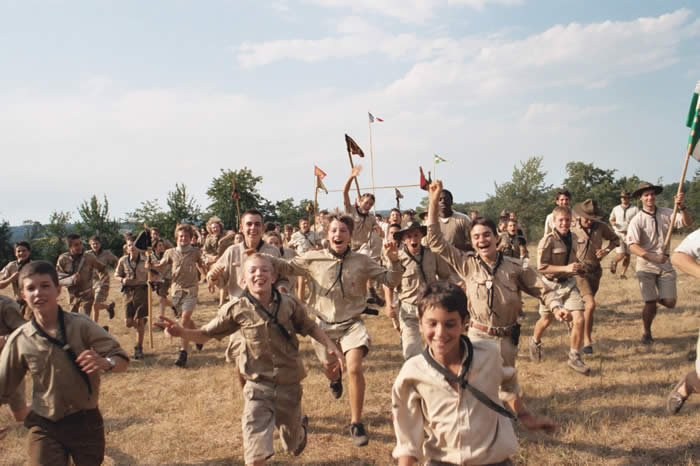 Petits Indiens, mariage gay, tradition : un ethnologue chez les scouts