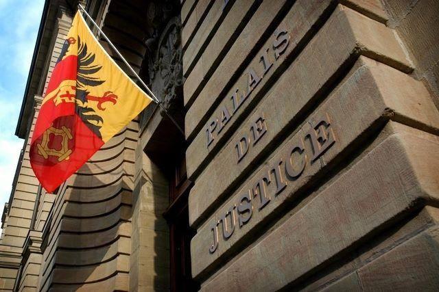 Genève : Un #homosexuel #tabassé à mort à #Onex dans la cave de son immeuble. C'était le 24 mai dernier.