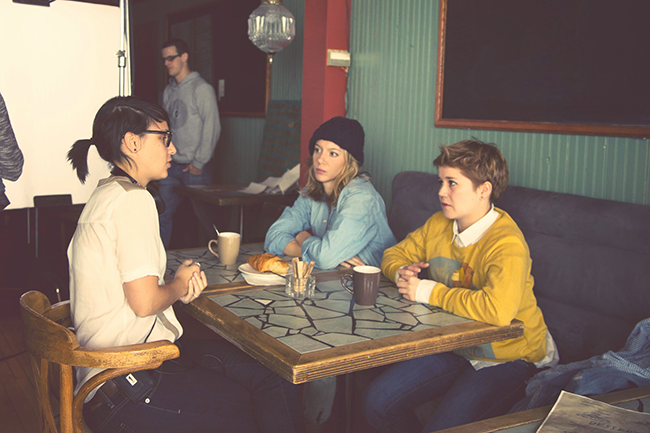 Canada : La nouvelle #websérie Féminin/Féminin décrit avec #humour le quotidien de jeunes #lesbiennes à #Montréal :)