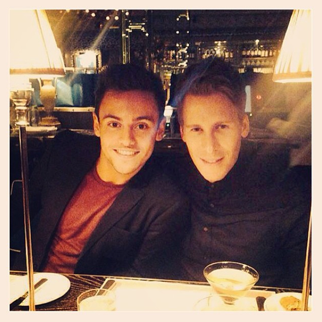 Quand Tom Daley et Dustin Lance Black officialisent : un come-out dinner ?