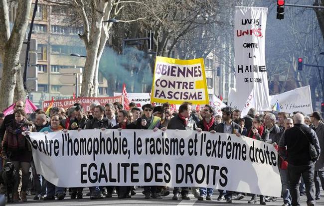 Toulouse: incidents lors d'une manifestation contre l'#homophobie, l'#antisémitisme et l'extrême droite...