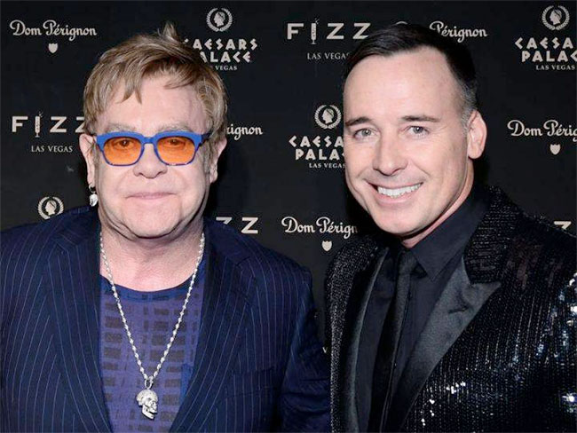 Angleterre : Elton John va épouser David Furnish