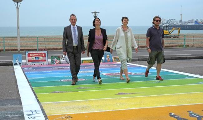 Fierté #LGBT : Le premier passage piétons arc-en-ciel européen dévoilé à #Brighton