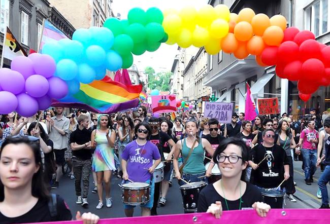 Après la douche froide du référendum contre le mariage gay, la Croatie dit « oui » aux « unions civiles homosexuelles »