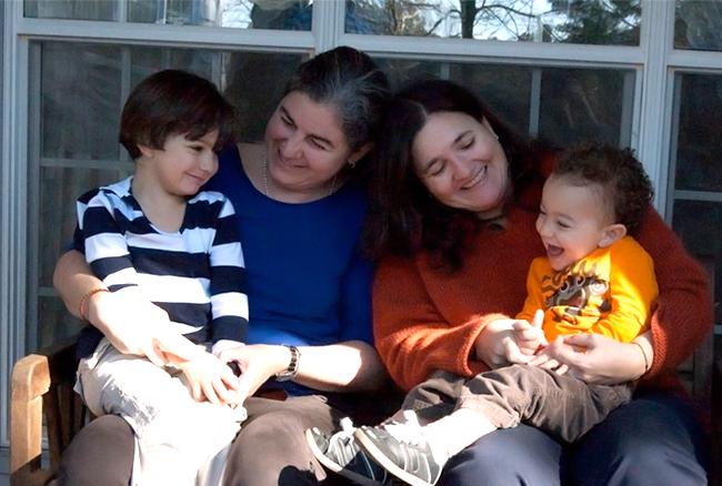 Colombie: une femme homosexuelle pourra adopter la fille de sa compagne