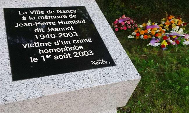 Nancy : La stèle en mémoire de Jean-Pierre Humblot et en solidarité avec toutes les victimes d'homophobie, de nouveau vandalisée