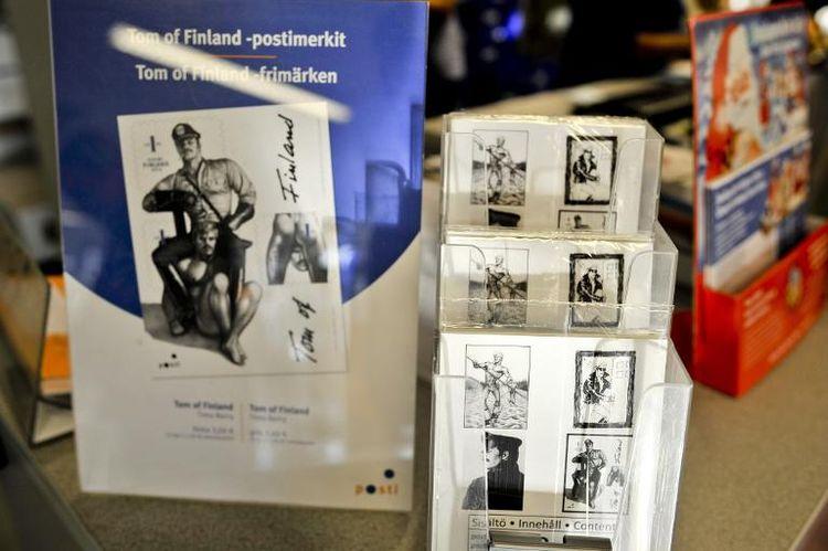 Imagerie homoérotique : Quand la Poste finlandaise s'affranchit des conventions, c'est un franc succès !