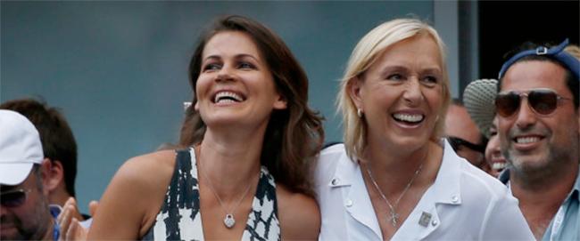Magique : Martina Navratilova demande sa compagne en mariage en marge des demi-finales de l'US Open :)