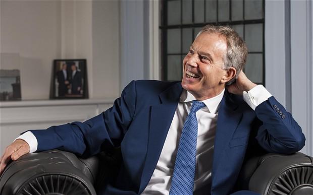 """Droit des homosexuels : Tony Blair, désigné par le magazine Gay Times comme l'une des plus importantes """"icônes gays"""""""
