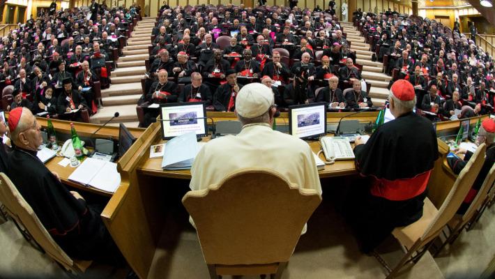 """Synode : Les homosexuels """"ont des dons et des qualités à offrir à la communauté chrétienne"""""""