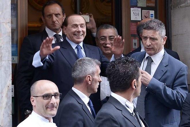 Italie : Silvio Berlusconi favorable aux unions civiles entre conjoints homosexuels et au «droit du sol»