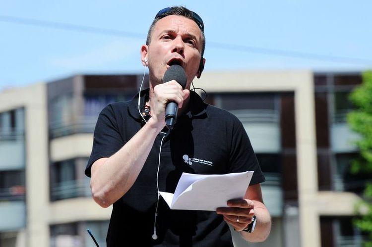 """Grands projets d'avenir : Vincent Boileau-Autin, le premier """"marié gay"""" s'engage pour l'aide à la PMA"""