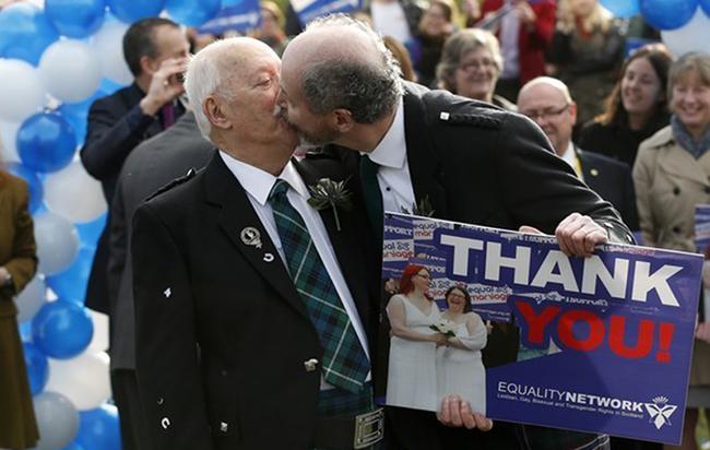 Écosse : A partir du 31 décembre prochain, les premiers couples de même sexe pourront se marier