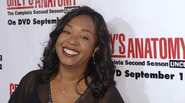 """Quand Shonda Rhimes répond aux remarques homophobes sur """"Scandal"""" et """"How to Get Away with Murder"""""""