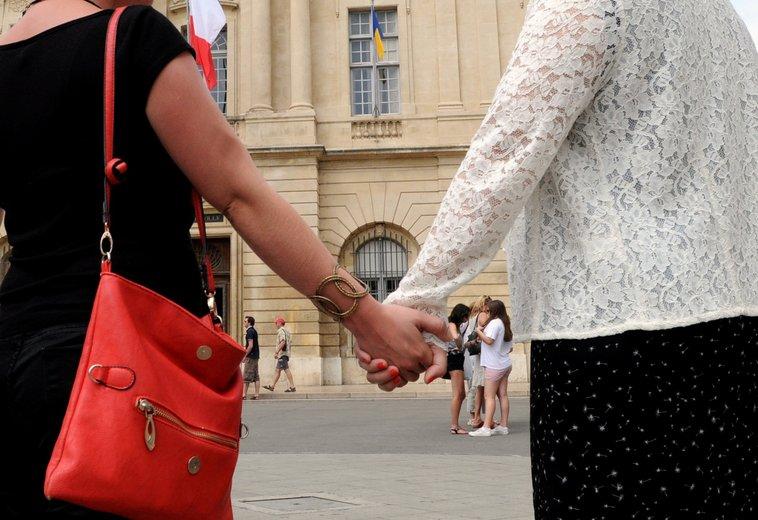 Marseille : Plainte pour discrimination après l'annulation du mariage d'un couple lesbien