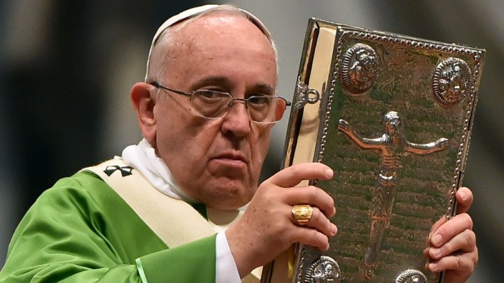 Vatican : Un témoignage sur la sexualité dans le mariage et l'accueil des homosexuels au synode