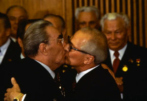 soviet-leader-leonid-brezhnev-and-east-german-president-erich-honecker-kissing-yellow-gold-datejust-june-1979