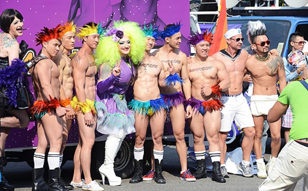 Taipei : Grande manifestation pour le mariage homosexuel à #Taiwan