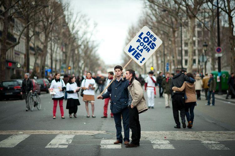 INFO LIBÉ : 40 ans après la loi Veil, les anti-IVG à l'assaut des boîtes mail des députés
