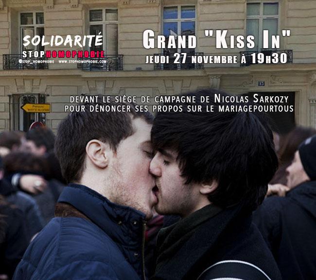 """Grand """"Kiss In"""" devant le siège de campagne de Nicolas Sarkozy pour dénoncer ses propos sur le #mariagepourtous"""