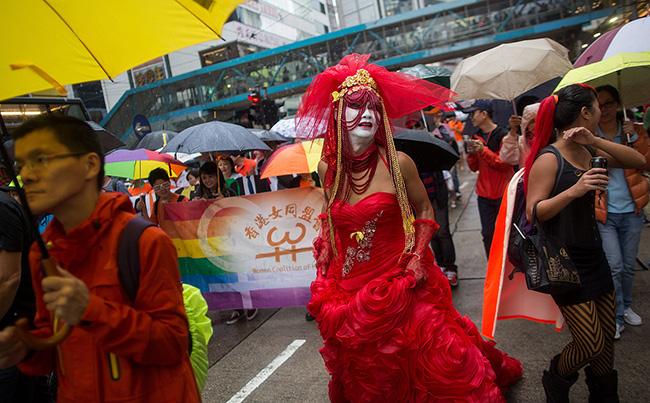 Hong Kong : Plusieurs milliers de personnes pour célébrer la marche des fiertés
