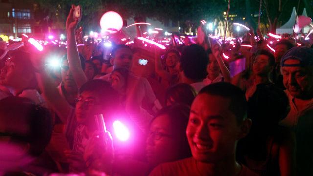 Séminaire de l'Union Européenne: Manifestation à Singapour contre une oratrice anti-gay