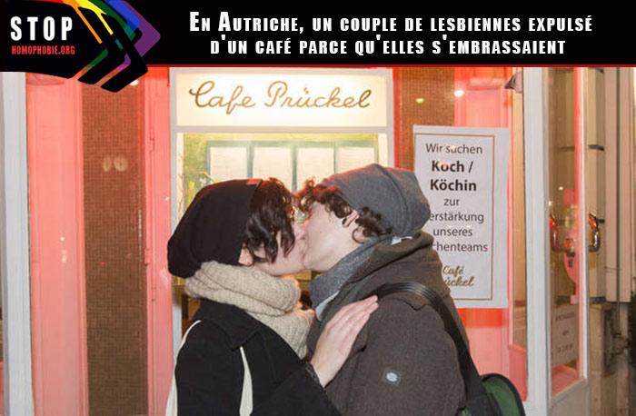 """Autriche : Un """"Kiss in"""" contre l'expulsion de deux lesbiennes d'un Café viennois"""
