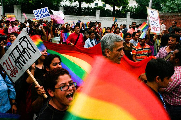 """En Inde, des centres pour """"soigner"""" les homos sur le modèle des Alcooliques Anonymes"""