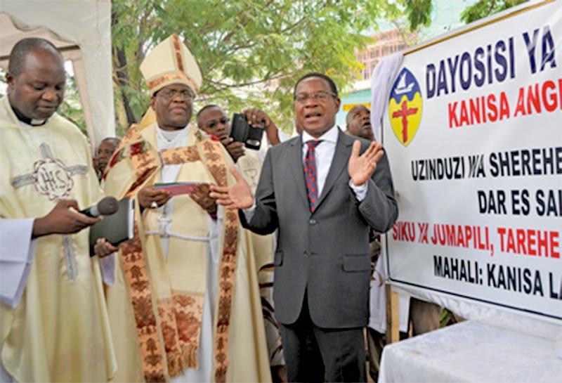 """Homophobie : En Tanzanie, le gouvernement salue l'opposition de l'église anglicane au """"mariage gay"""""""