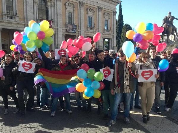 Le conseil municipal de Rome approuve les unions civiles pour les couples homosexuels