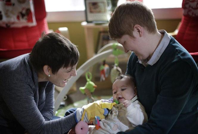 Aux États-Unis, une pédiatre refuse de traiter une petite fille parce qu'elle a «deux mamans»
