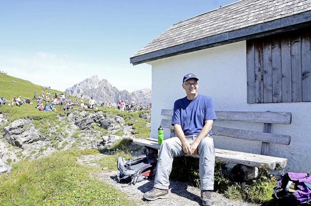"""Suisse : Après 10 ans de """"bons"""" services, un prêtre écarté de sa paroisse pour avoir béni un couple lesbien"""