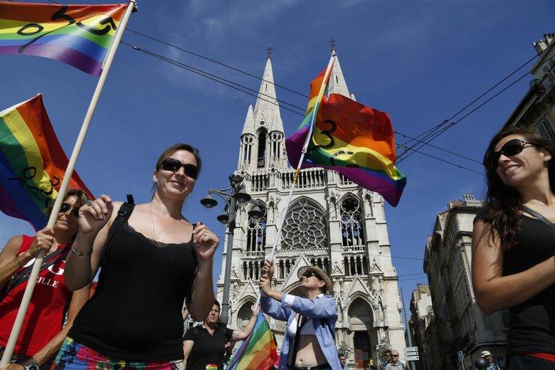 Poussée notable des mariages entre personnes de même sexe à Marseille
